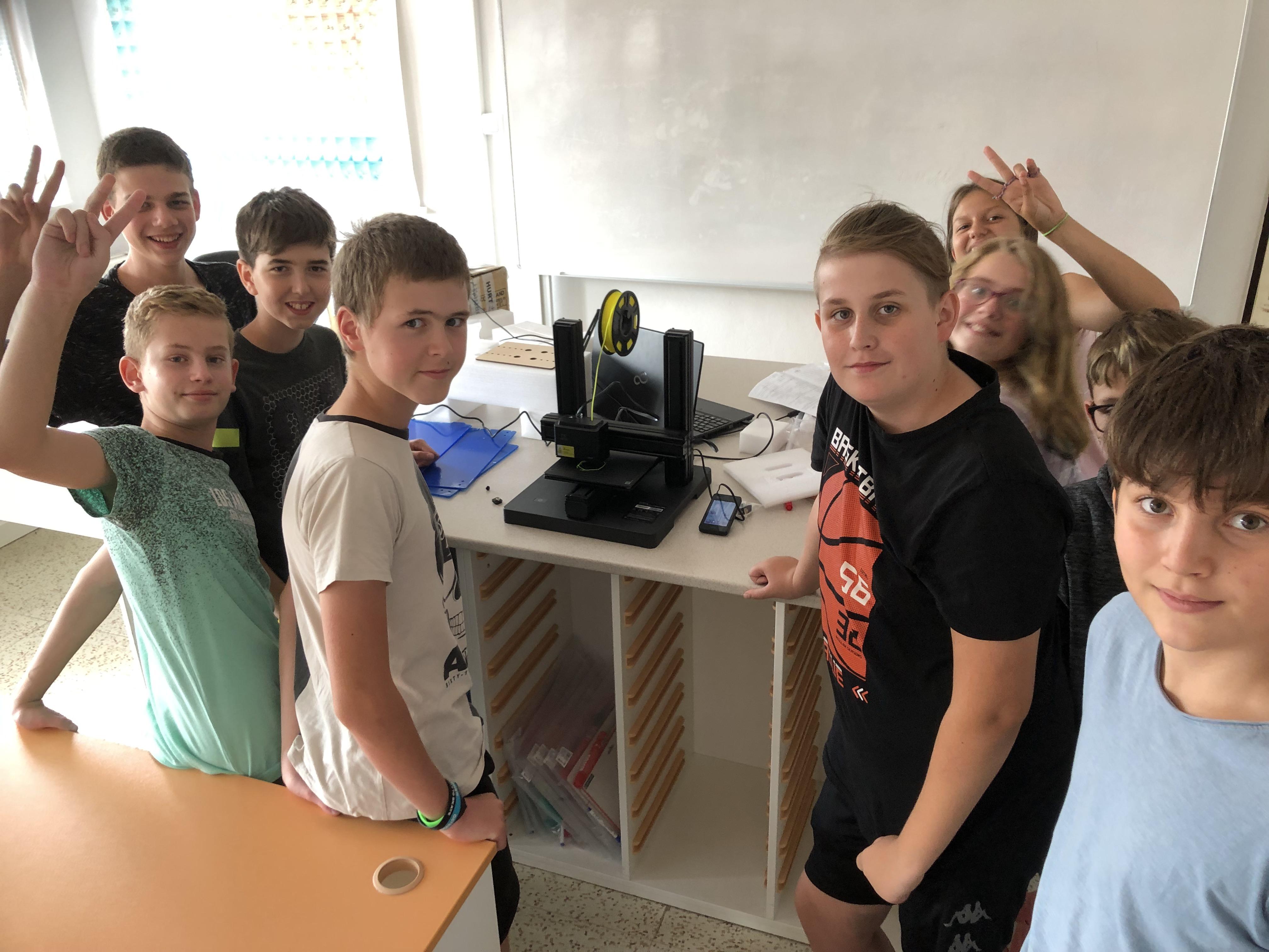 ICT klub školy - skládání 3D tiskárny